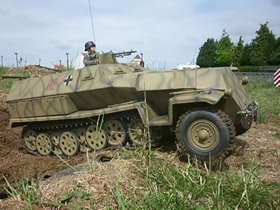 Click image for larger version  Name:1-6th-251-german-half-track-1034b.jpg Views:100 Size:34.0 KB ID:64217