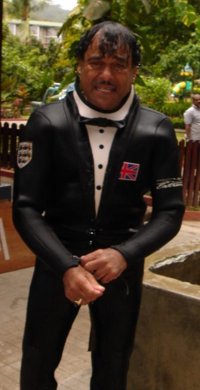 Click image for larger version  Name:Jeff 007 j Bond.jpg Views:102 Size:38.1 KB ID:64646