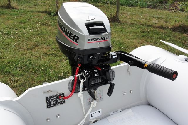 Click image for larger version  Name:zodiac2outboard.jpg Views:1141 Size:54.0 KB ID:67217