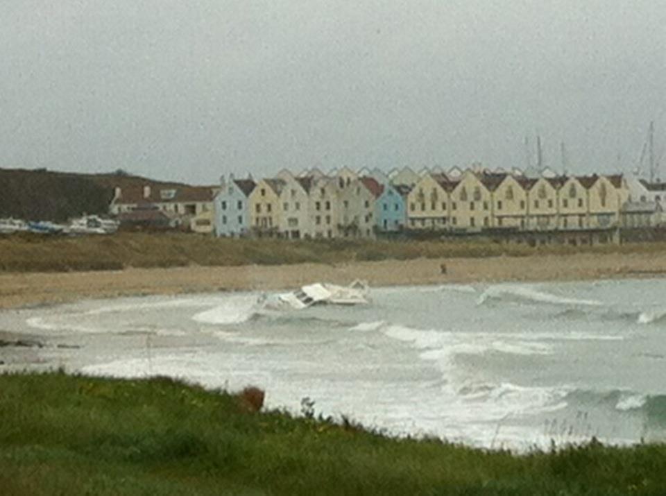 Click image for larger version  Name:Alderney wreck 2.jpg Views:205 Size:60.6 KB ID:67687
