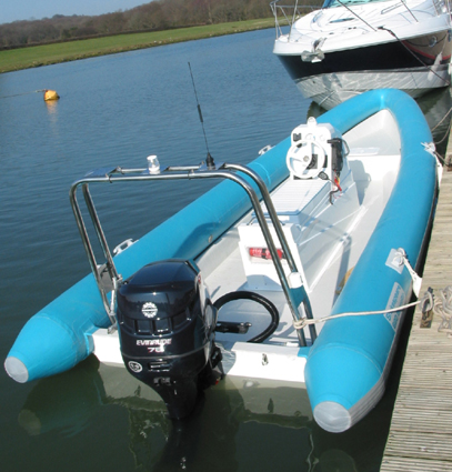 Click image for larger version  Name:620 & Fairline at Midas1.JPG Views:374 Size:152.3 KB ID:6853