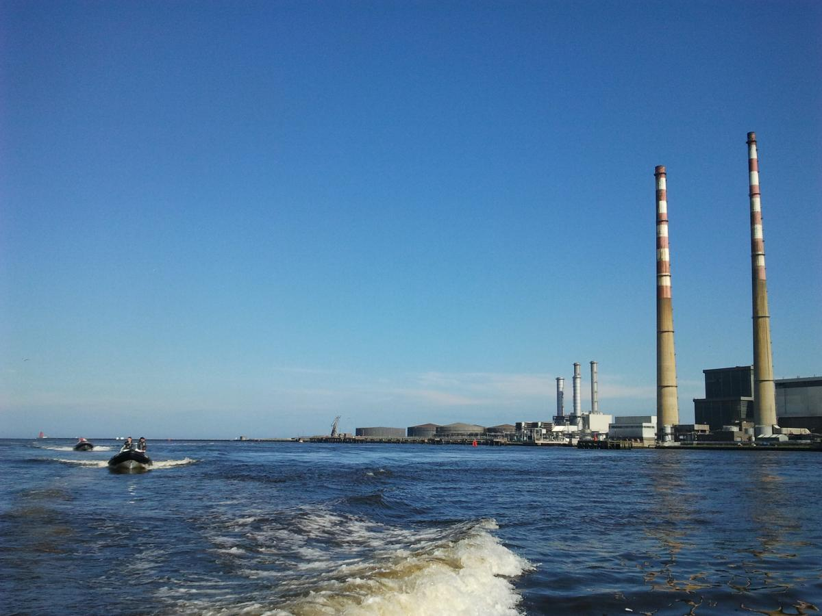 Click image for larger version  Name:Ringsend1.jpg Views:87 Size:105.4 KB ID:70060
