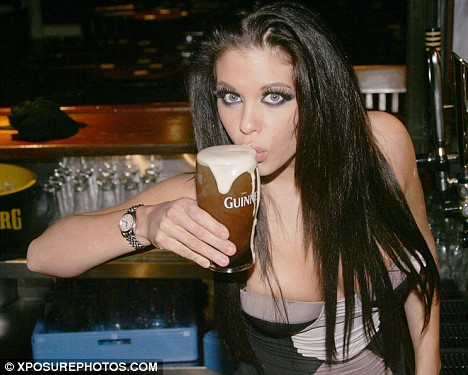 Click image for larger version  Name:guinness girl.jpg Views:85 Size:58.5 KB ID:71059