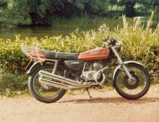Click image for larger version  Name:Kawasaki KH250.jpg Views:74 Size:57.2 KB ID:71132
