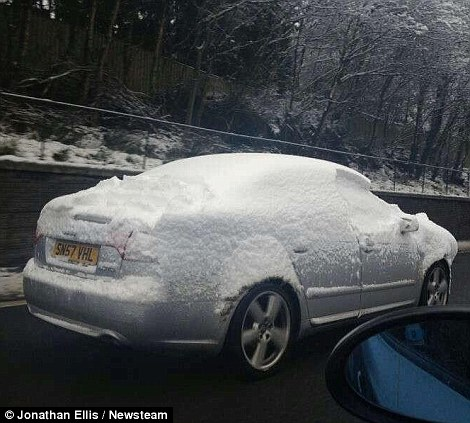 Click image for larger version  Name:m4 snow 2.jpg Views:147 Size:58.7 KB ID:75717