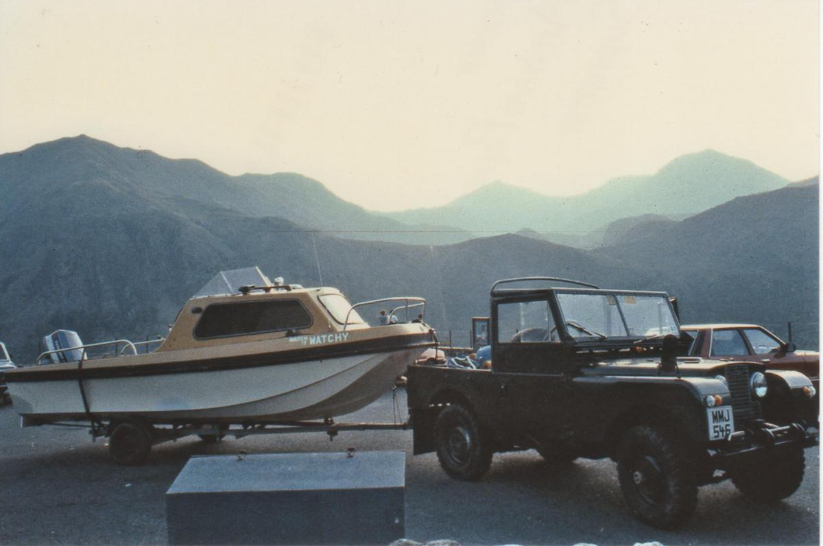 Click image for larger version  Name:Landrovers 002.jpg Views:53 Size:78.0 KB ID:79052