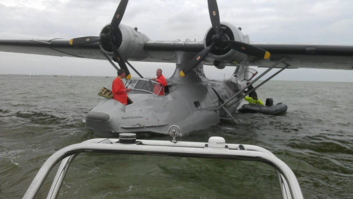 Click image for larger version  Name:seaplane.jpg Views:296 Size:80.5 KB ID:80708