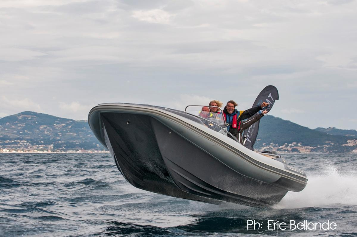 Click image for larger version  Name:Hysucat Elan 8.5m - Marseille 03.jpg Views:170 Size:107.7 KB ID:81717