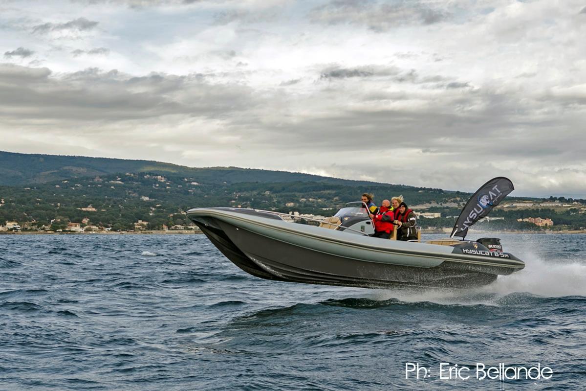 Click image for larger version  Name:Hysucat Elan 8.5m - Marseille 07.jpg Views:212 Size:135.9 KB ID:81720