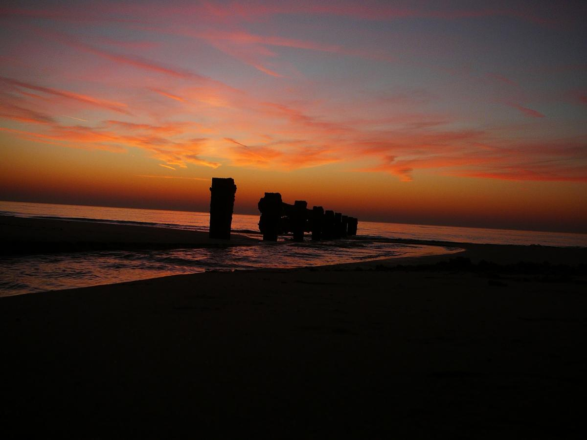 Click image for larger version  Name:rossall sunset.jpg Views:86 Size:59.3 KB ID:82187