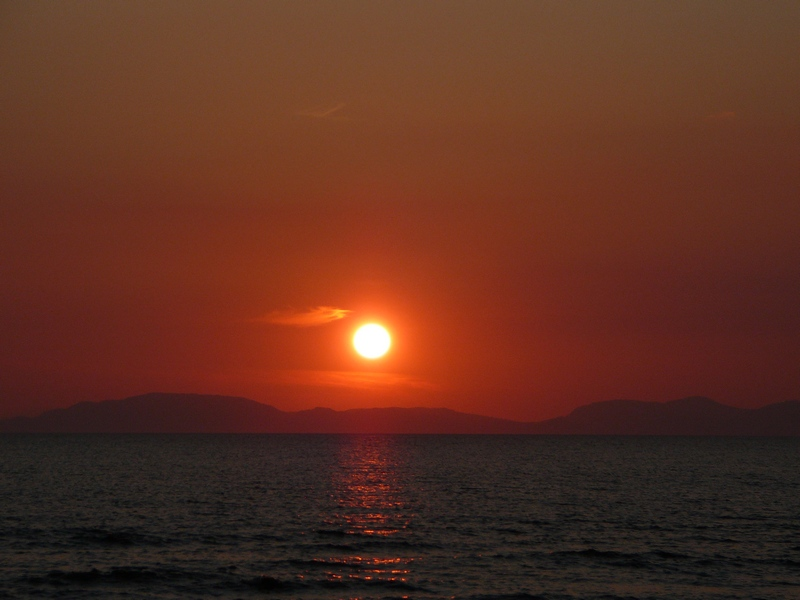 Click image for larger version  Name:cumbria sunset resize.jpg Views:82 Size:162.9 KB ID:82189