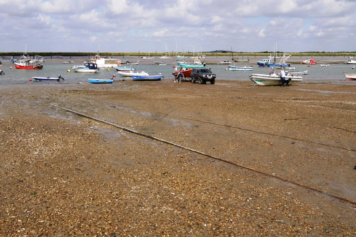 Click image for larger version  Name:Slip lower tide.jpg Views:167 Size:180.7 KB ID:84622