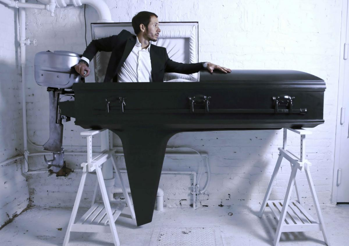 Click image for larger version  Name:boat-coffin-2.jpg Views:101 Size:94.6 KB ID:87737