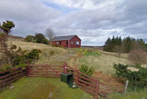 Click image for larger version  Name:Nice Cottage.JPG Views:55 Size:40.2 KB ID:91762