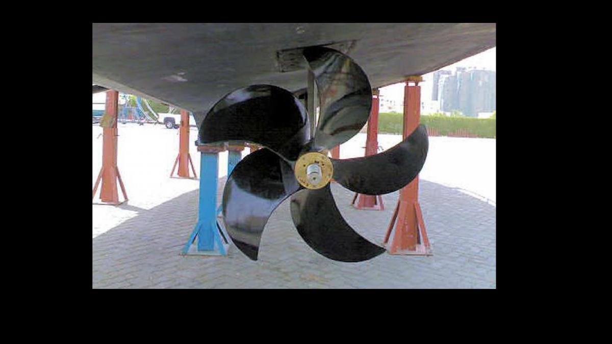Click image for larger version  Name:Carbon Fiber Propeller.jpg Views:125 Size:57.5 KB ID:98451