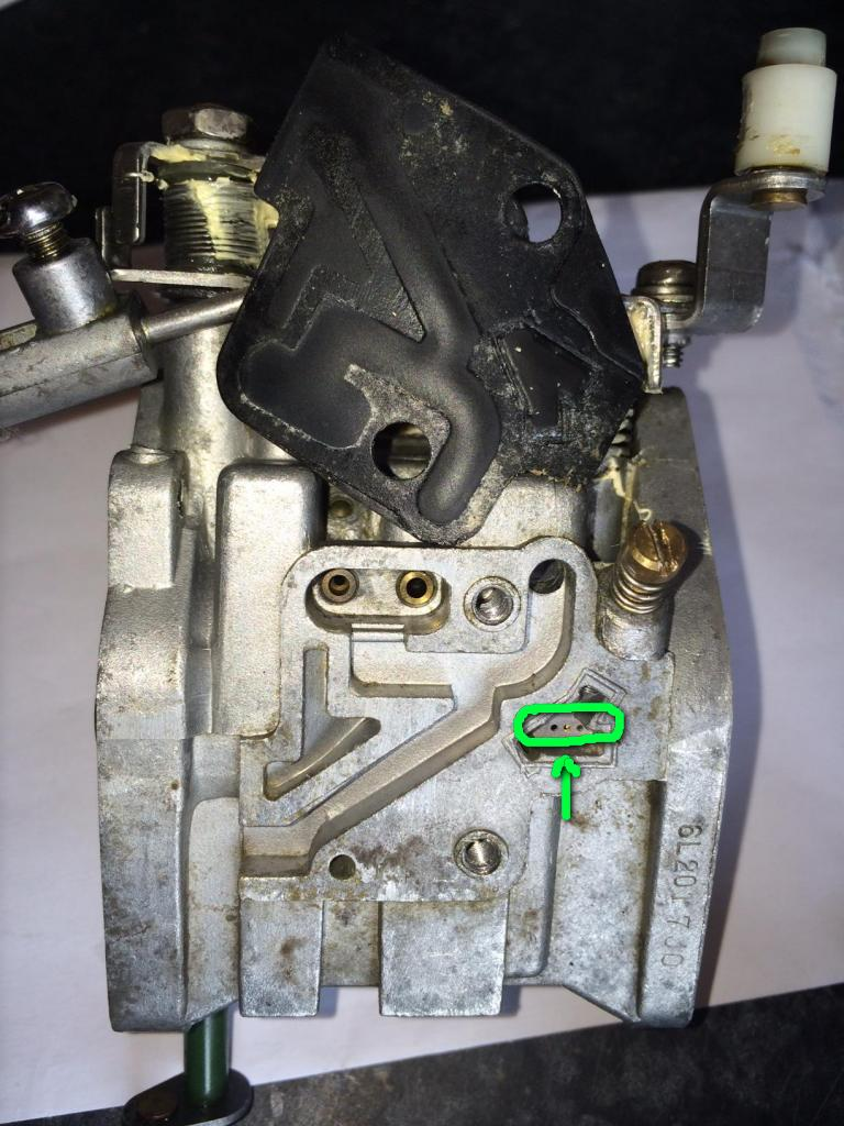 Fuel leaking from carb when primer squeezed - RIBnet Forums