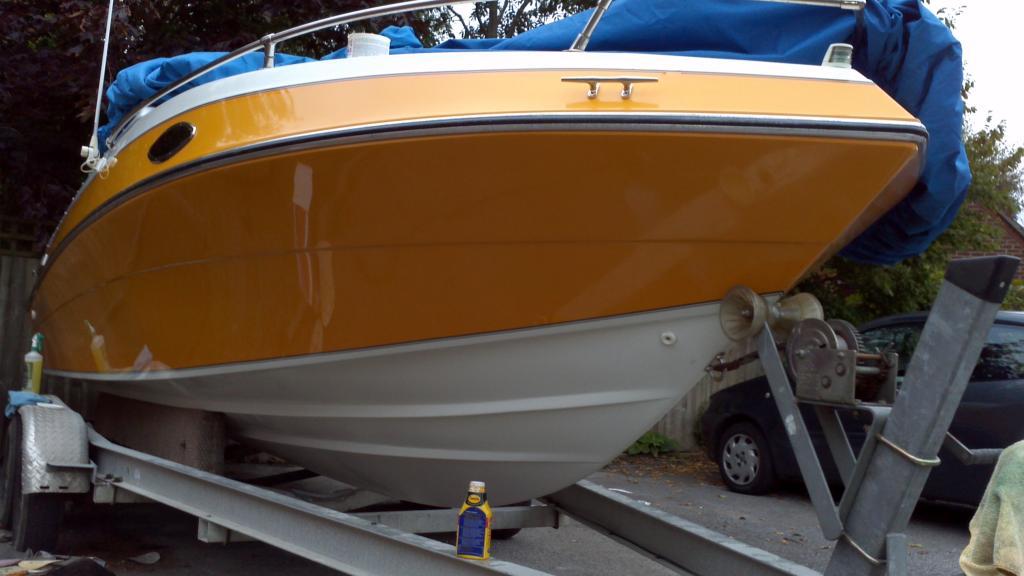 Restoring the Bananboat - Four Winns Sundowner 205 - RIBnet