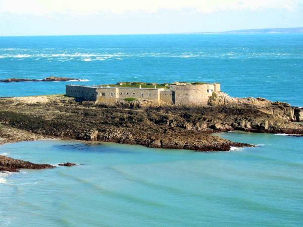 Fort Raz, Alderney