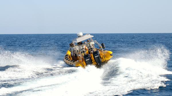 Waverider makes a splash in Lanzarote with there Parker 1000 Baltic. www.waveriderlanzarote.com
