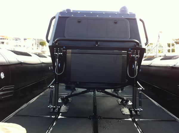 Ocean Craft Marine 9.5M   (console front)