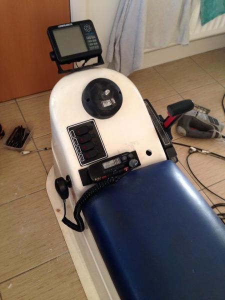 Console fittiing GPS and Depth sounder