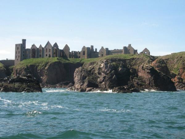 Slains Castle (nearly a hotel - I ask you!)