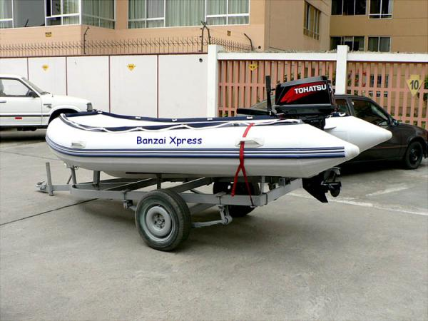 Sea Rider 370, Tohatsu 30 HP Surf Rib