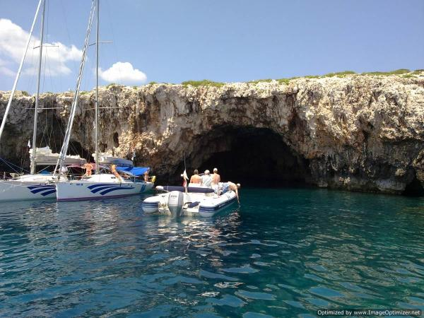 Vis Green Cave 26052011860