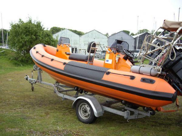 humber destroyer 5.8 mtr rib 01